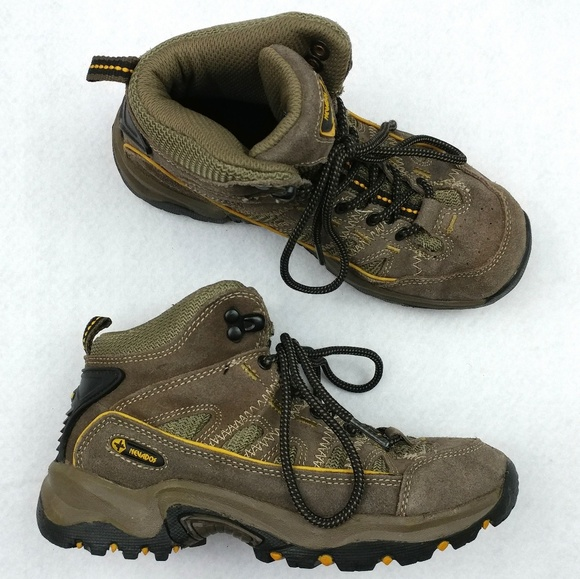 6e5baec5e53 Nevados Boys Hiking Boots Size 3